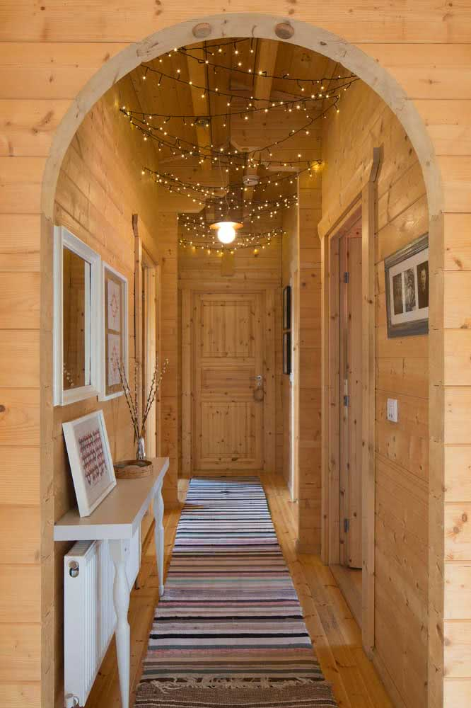 Wooden house and lamps: can it get better?