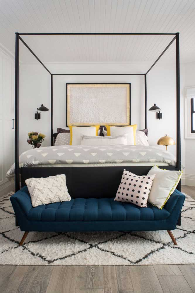 Sofa for a double bedroom mixing styles in the decor